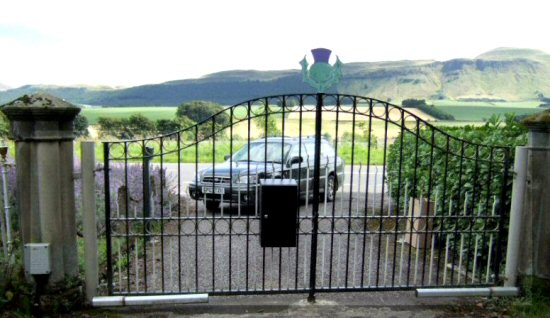 Letter box Sheffield to fit at the back of gates or railings